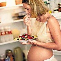 Как нужно питаться во время беременности